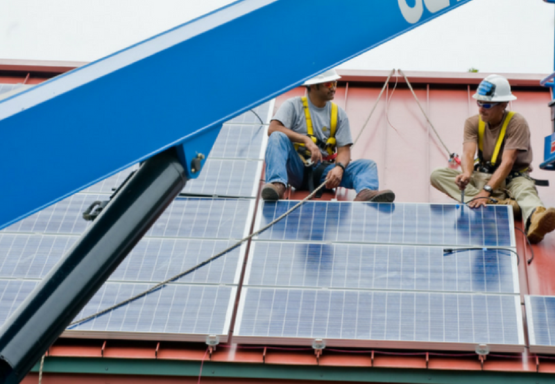 India's Solar, Wind Sectors to Create Over 300,000 Jobs by 2022_ ILO Report