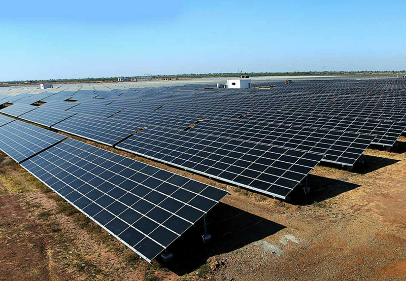 MNRE Asks SECI to Set Upper Ceiling for Solar Tariff at ₹2.50/kWh Without Safeguard Duty