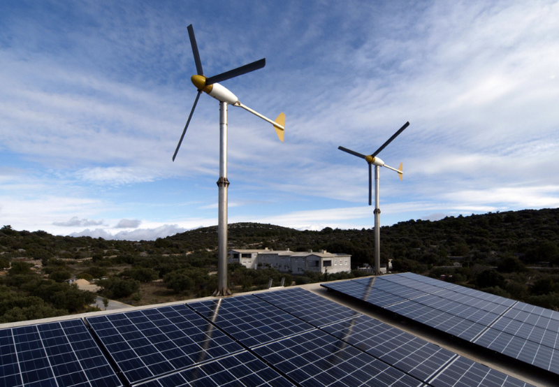 SECI Tenders 1.2 GW of Solar-Wind Storage Projects with Assured Peak Power Supply