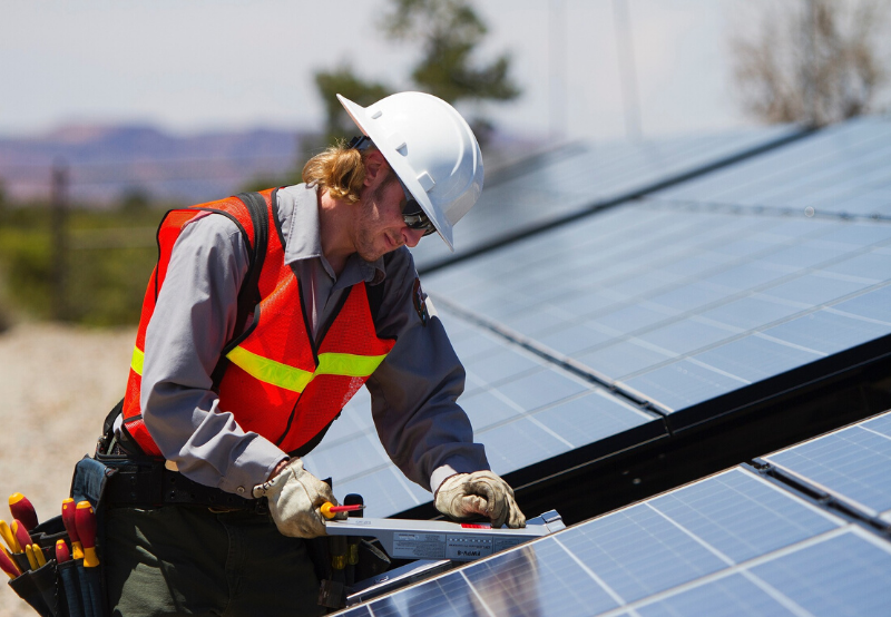 US Solar Industry Created Nearly 250,000 Jobs in 2019