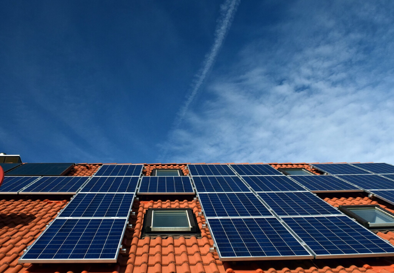 Indian Oil Floats Tenders for Rooftop Solar Systems in Tamil Nadu and Maharashtra