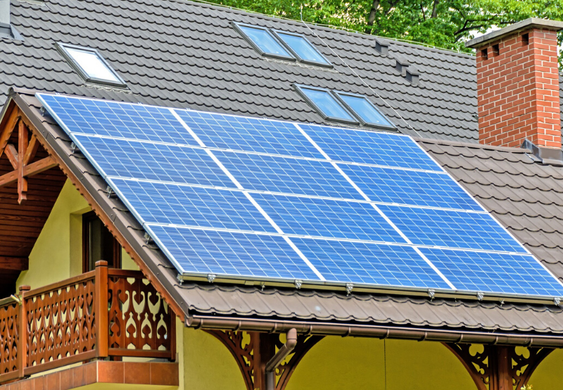 Sri Lanka Receives $100 Million Loan from India for Installing Rooftop Solar Systems