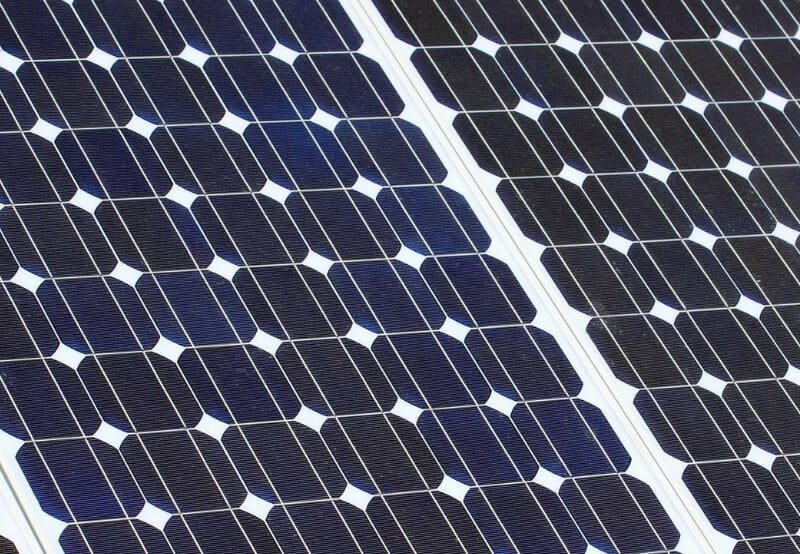 REIL Floats Tender for 600,000 Multicrystalline Silicon Solar Cells