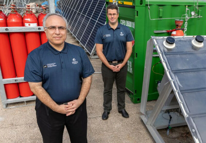 Australian Researchers Create Green Hydrogen from Solar Energy and Air