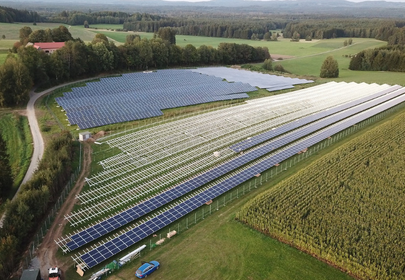 Daily News Wrap-Up_ Boeing Turns to Solar; Jinko, Risen, ZNShine Announce Supply Orders