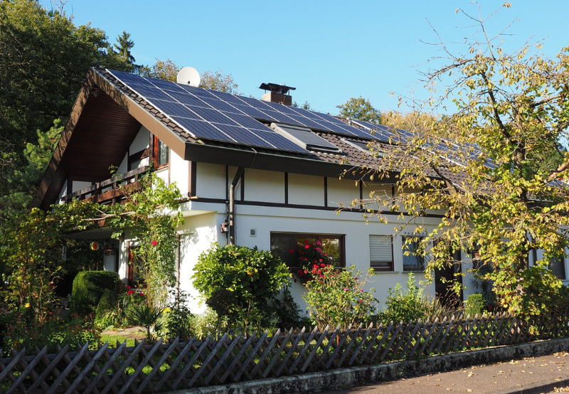 Here is How Much Money Rooftop Solar Systems Can Save Households (1)