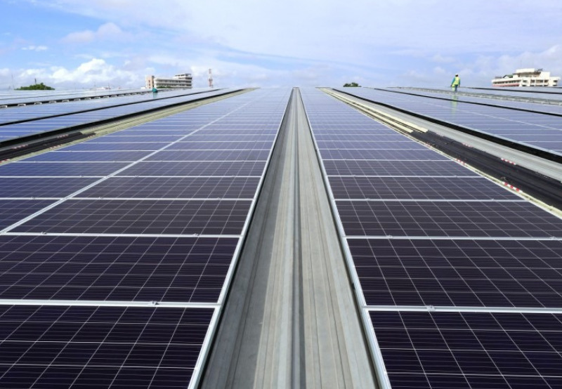 Apple, Amazon, Walmart Lead Corporate Solar Installations in the US