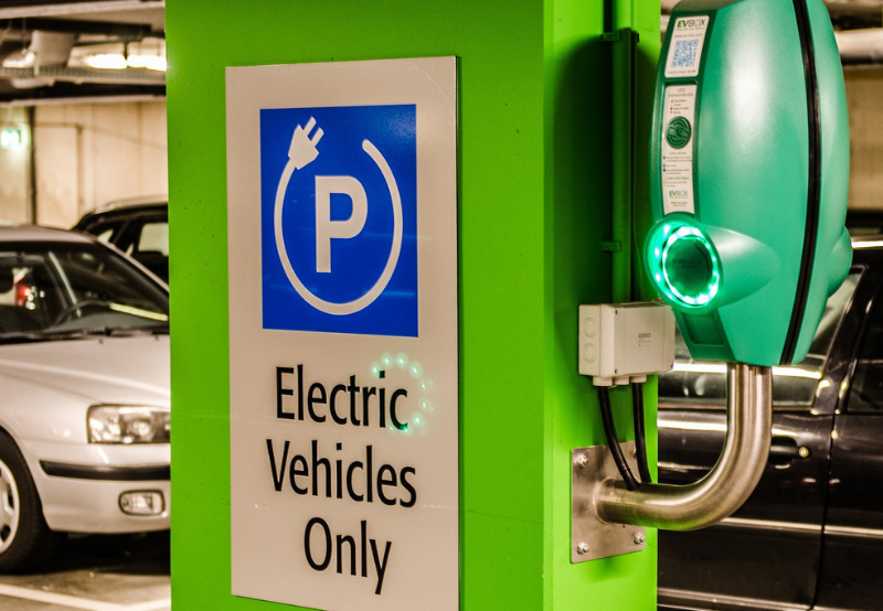 Electric Vehicles Sales Decline 20% YoY in FY 2020-21